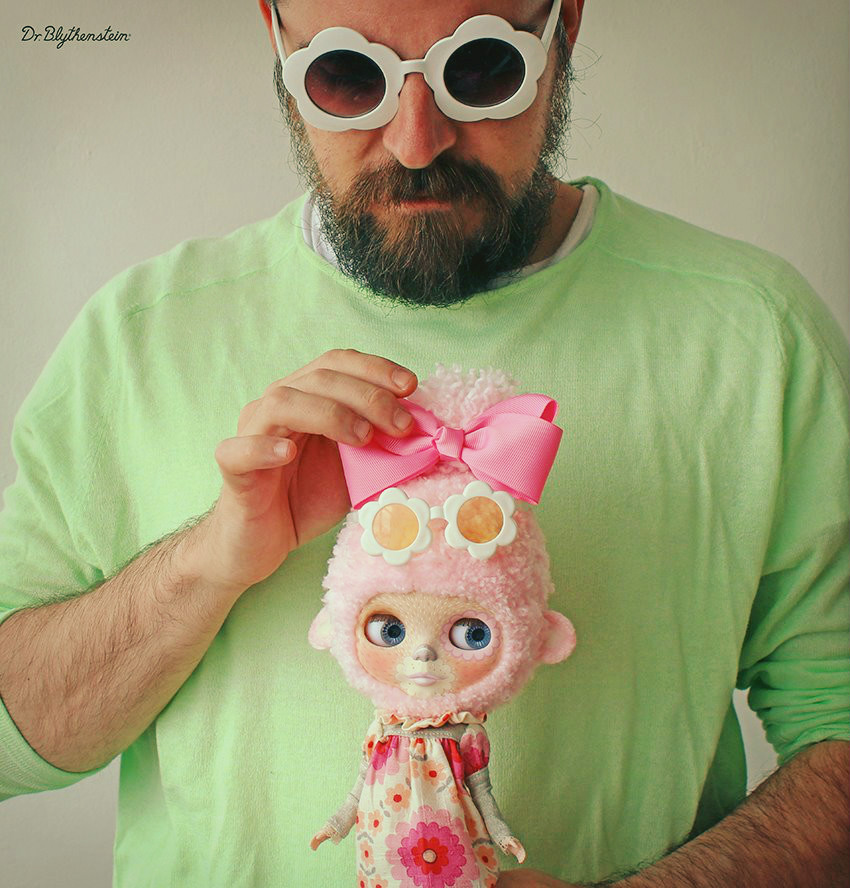 Dr Blythenstein with Fashionable Pink Blythe Yarnhead