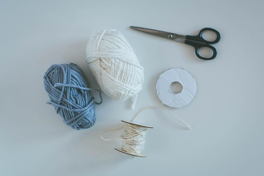 Easy DIY pompom garland materials how to