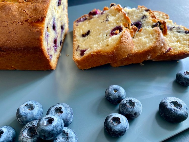 PopsicleSociety-Blueberries, coconut and yogurt cake_7440