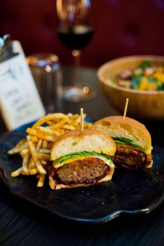 Spathe Australian Angus Burger