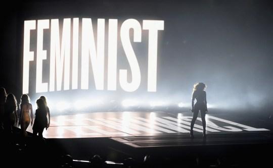 https://i2.wp.com/popspoken.com/wp-content/uploads/2015/03/Beyonce-Feminist-VMAs.jpg?resize=540%2C333
