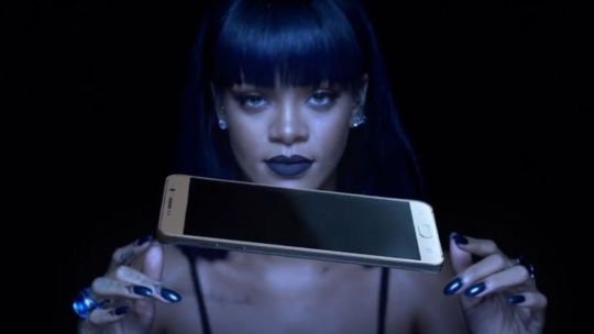 Rihanna-AntiDiary-Album-Video-Samsung-The-Dapifer