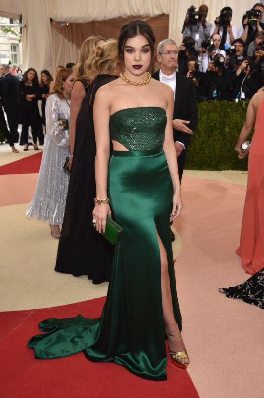 Hailee Steinfeld wearing a H&M gown for The Met Gala 2016. Photo: Getty