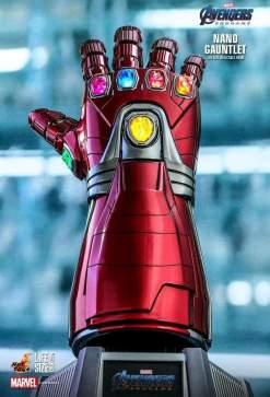 Image Avengers 4: Endgame - Nano Gauntlet Life-Size Replica