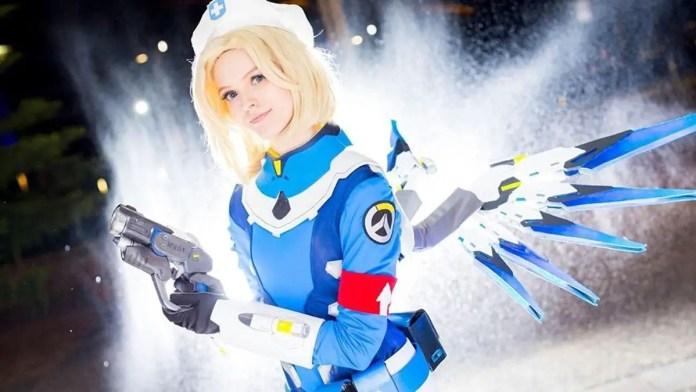Aussie Twitch streamer spent 3 months on her Mercy cosplay and it rocks