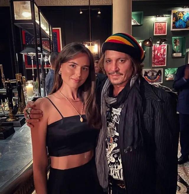 Johnny Depp at London pub
