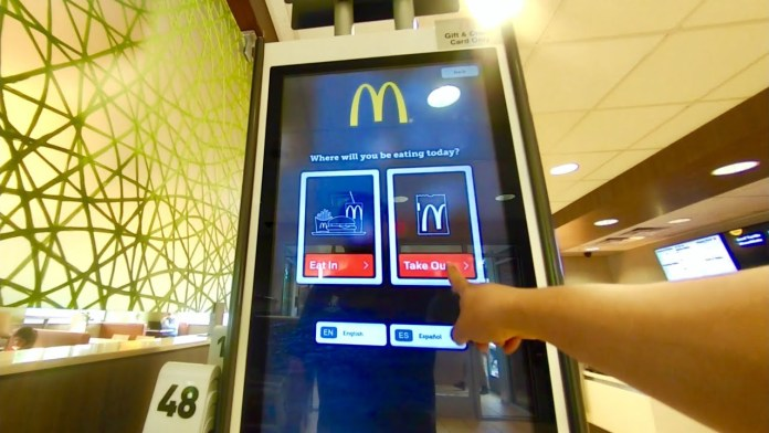 8 Important Benefits of Using Interactive Touch Screen Kiosks in Retail