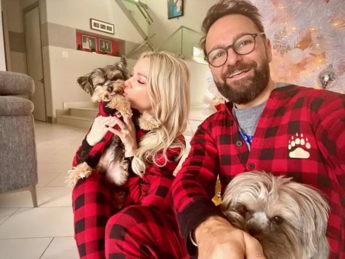 Daniel Negreanu, wife and pet