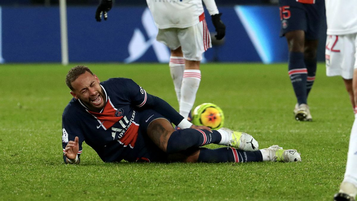 https___cdn.cnn.com_cnnnext_dam_assets_201214034917-01-neymar-injury-psg-restricted