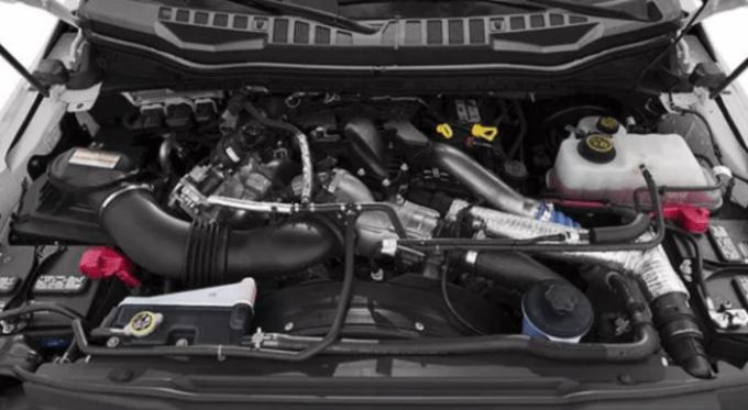 2020 Ford F-350 Engine