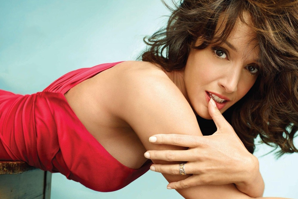 20 Sexy Celebrities You Won't Believe Are in Their 50's - Jennifer Beals