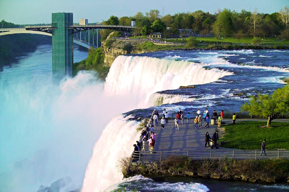 2017 Best Family Vacation for All Ages Around the World - Niagara Falls State Park