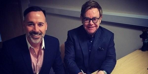 Após críticas a famílias gays, Elton John pede boicote à Dolce & Gabanna