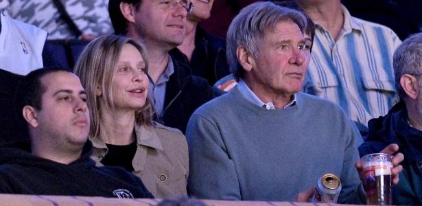 Harrison Ford sobrevive a acidente de avião na Califórnia; estado é estável