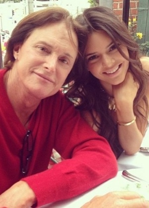 Revista pede desculpa a Kendall Jenner por declarações falsas