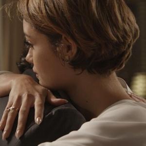 """Em """"Babilônia"""", Alice surpreende Evandro: """"Eu quero ter um filho com você"""""""