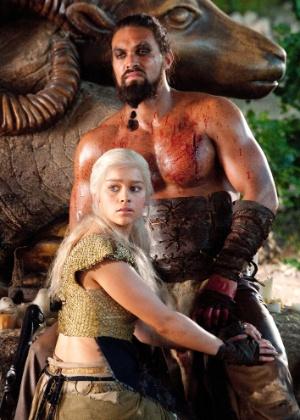 """Ator de """"Game of Thrones"""" usou meia ao invés de tapa sexo em cena de nudez"""