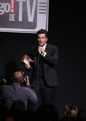 Em prêmio, Gagliasso discursa por fim da censura a beijos gays nas novelas