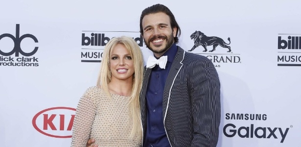 Britney Spears termina namoro de oito meses com Charlie Ebersol