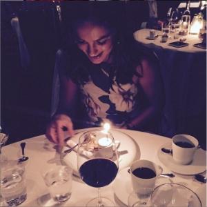 Após término com Charlize Theron, Sean Penn janta com Minka Kelly