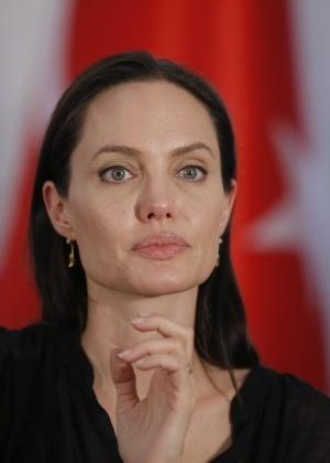 Angelina Jolie vai dirigir filme sobre sobrevivente do genocídio cambojano
