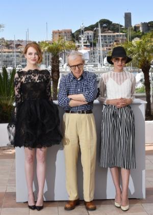 Atriz Emma Stone se confunde ao explicar Twitter para Woody Allen