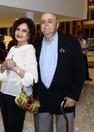 """""""Ninguém ficou apavorado"""", diz Rosamaria Murtinho sobre susto em barco"""