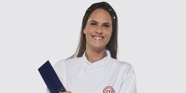 """Torta de maçã de Aritana vira sopa e empresária é eliminada do """"MasterChef"""""""