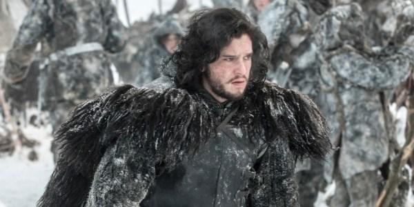 """Intérprete de Jon Snow é visto gravando cenas em set de """"Game of Thrones"""""""