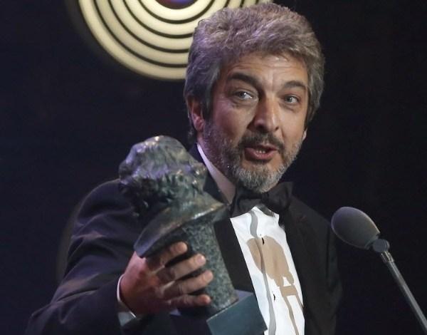 """Ator Ricardo Darín recebe prêmio Goya de melhor ator por """"Truman"""""""