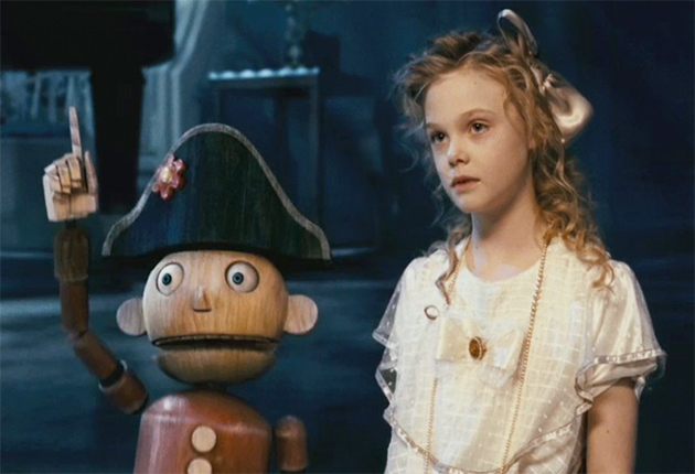 elle-fanning-as-mary-in-nutcracker-in-3d