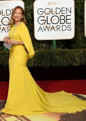 """Jennifer Lopez vira """"madrinha da cocaína"""" em cinebiografia sobre traficante"""