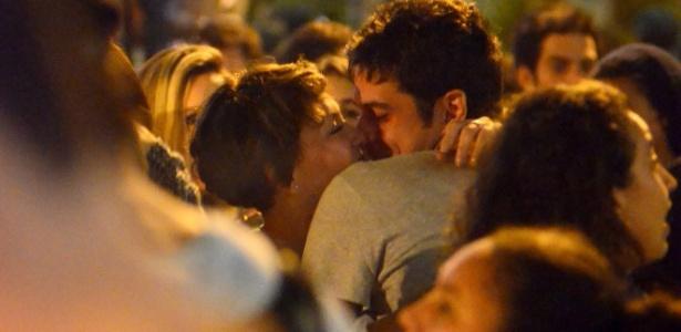 marco-pigossi-e-fabiula-nascimento-sao-vistos-aos-beijos-no-rio-de-janeiro-1475851595152_615x300