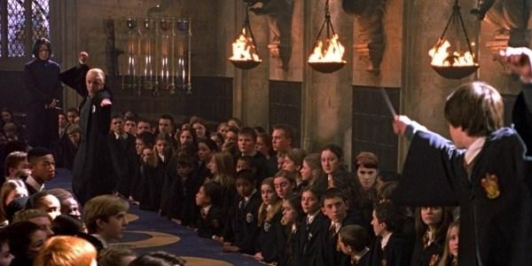 Por R$ 995 fãs de Harry Potter poderão jantar no grande salão de Hogwarts