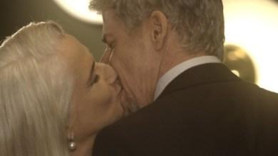 Foto de A Lei do Amor – Tião faz declaração e beija Mág