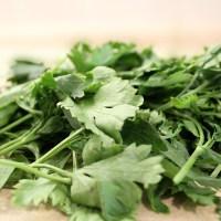 Suszenie natki: jak suszyć zieloną pietruszkę i koperek