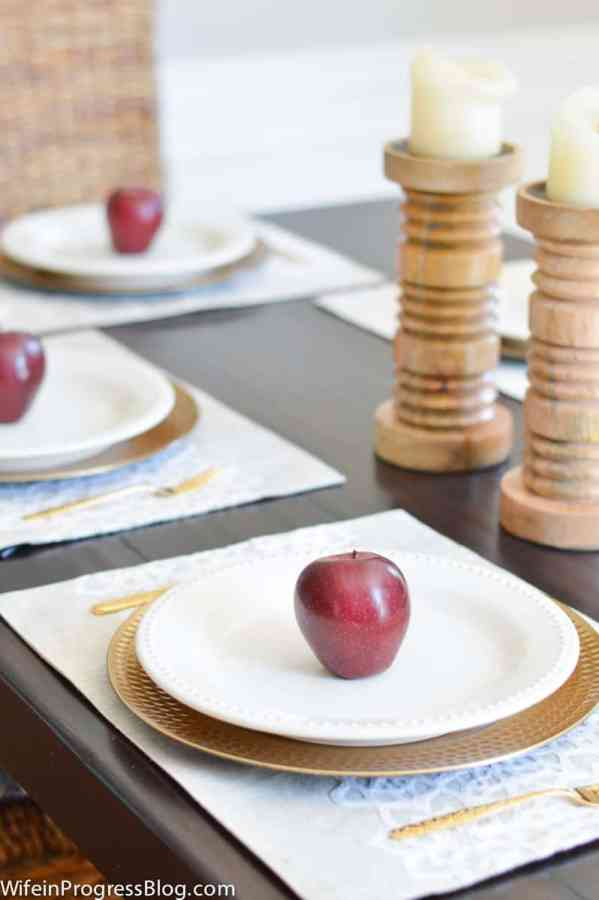 Fall decorating ideas for the dining room. Create an inexpensive table setting with apples or another fruit like pears.
