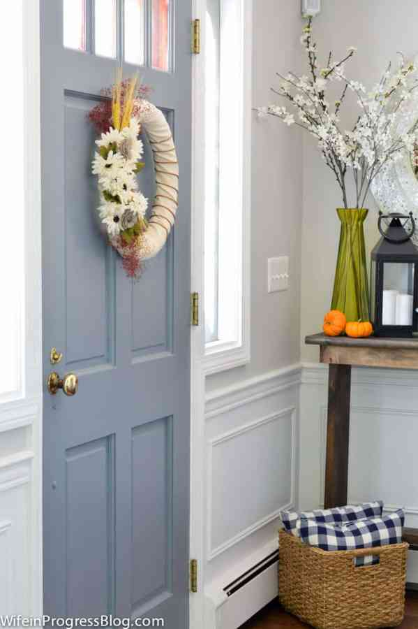 Fall decorating ideas for your foyer or entryway