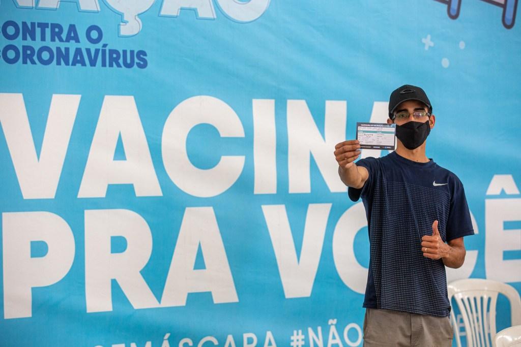 Adolescentes vacinados contra a Covid-19 chegam a 1 milhão