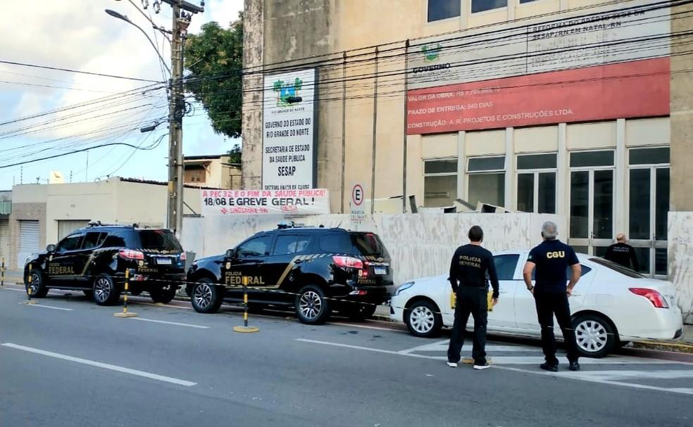Operação Lectus foi deflagrada na manhã desta quarta-feira (25) pela Polícia Federal e CGU na Secretaria Estadual de Saúde Pública do Rio Grande do Norte.