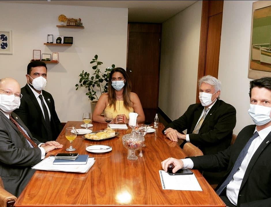 João Maia se reúne com ministros, FNDE e Funasa para tratar sobre ações para o RN