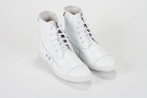 gram-420g-white-leather-ss-2009