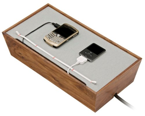 blu-dot-juice-box-docking-station-gadgets-0