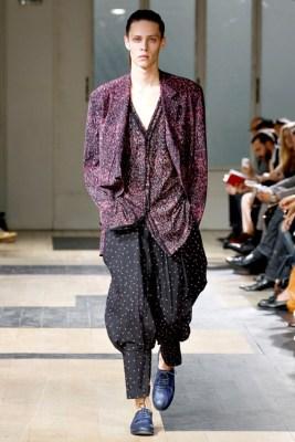 Paris Fashion Week | Yohji Yamamoto Spring/Summer 2012