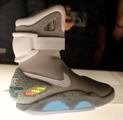 2011 Nike Air MAG | Back For The Future Video