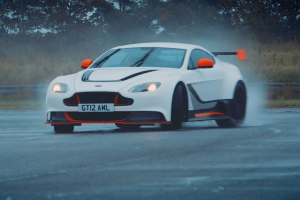 chris-harris-takes-the-aston-martin-vantage-gt12-for-another-spin-1