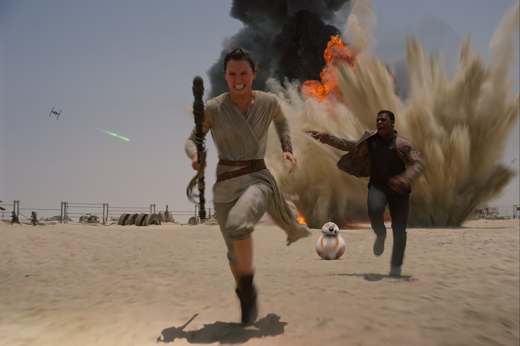 'Star Wars: The Force Awakens' International TV Spot
