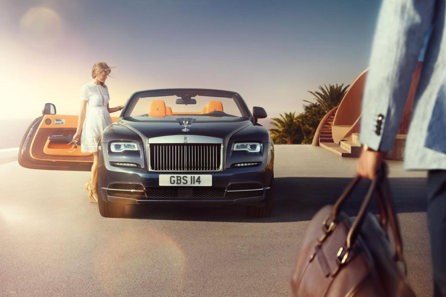 rolls-royce-dawn-2016-official-soft-top-mandarin-bmw-1