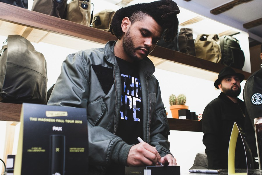 The-Weeknd-Tour-Features-Limited-Edition-PAX-2-Vaporizer-05