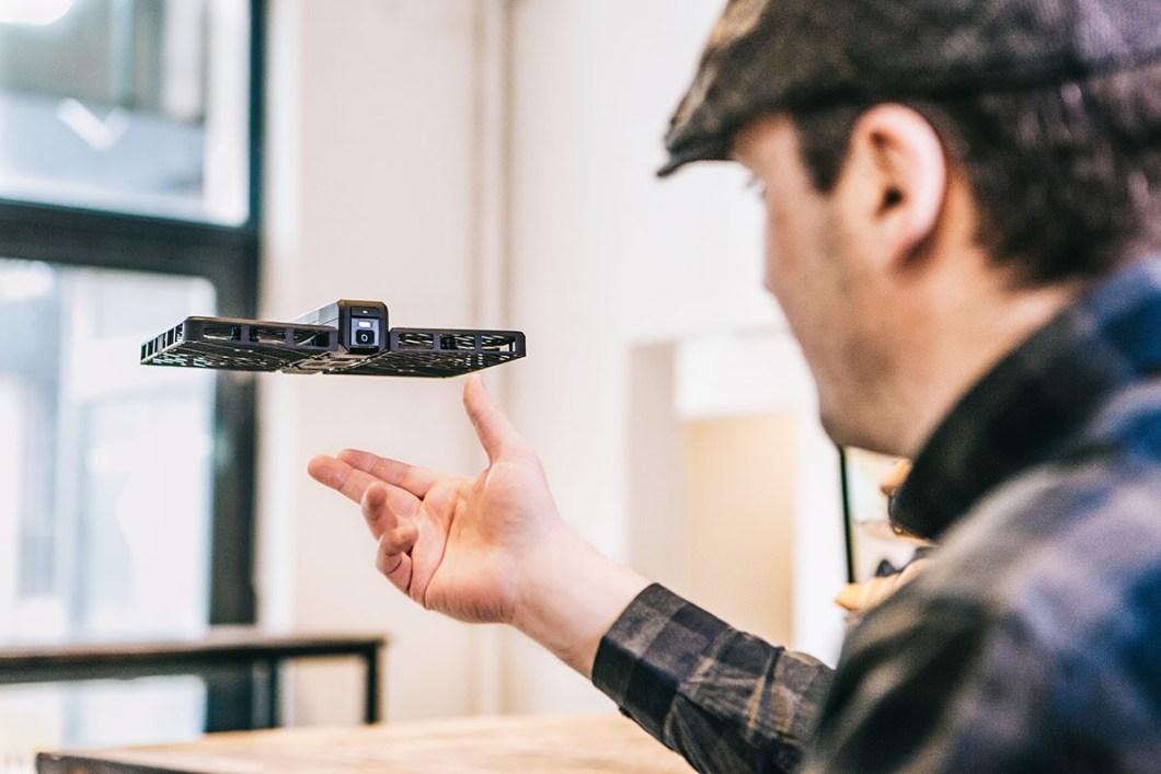 hover-camera-selfie-drone-2016-1